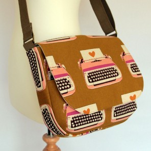 retro-fabric-print-satchel